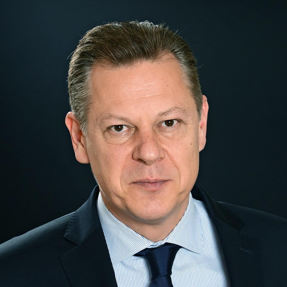 Jérôme Adrian est Directeur Associé chez In Extenso Finance & Transmission